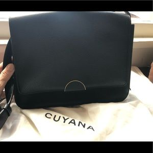 Cuyana Classic Shoulder Bag